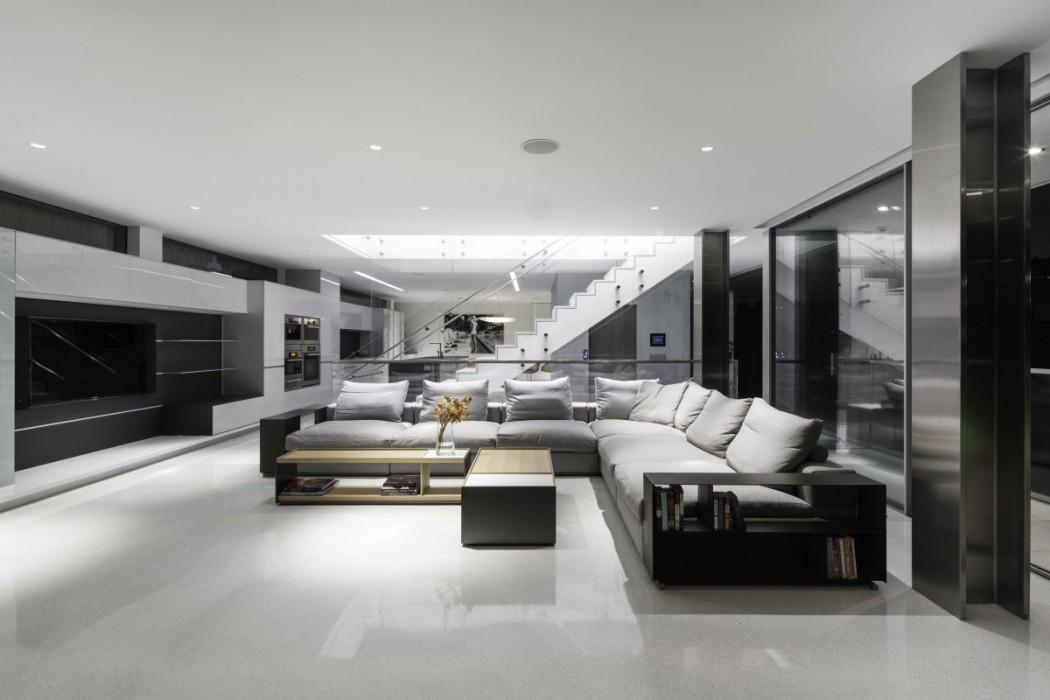 Flip flop house by dan brunn elusive magazine for Mansion living room designs