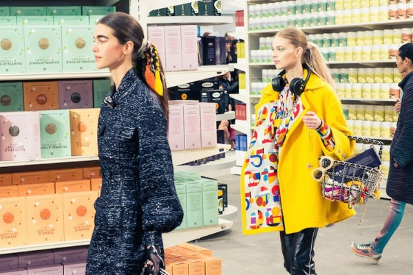 CHANEL Fall/Winter 2014/15 Ready-to-Wear Show