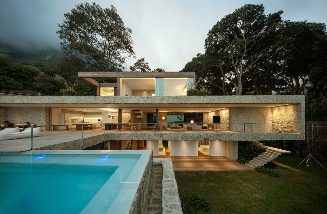 AL House by Studio Arthur Casas