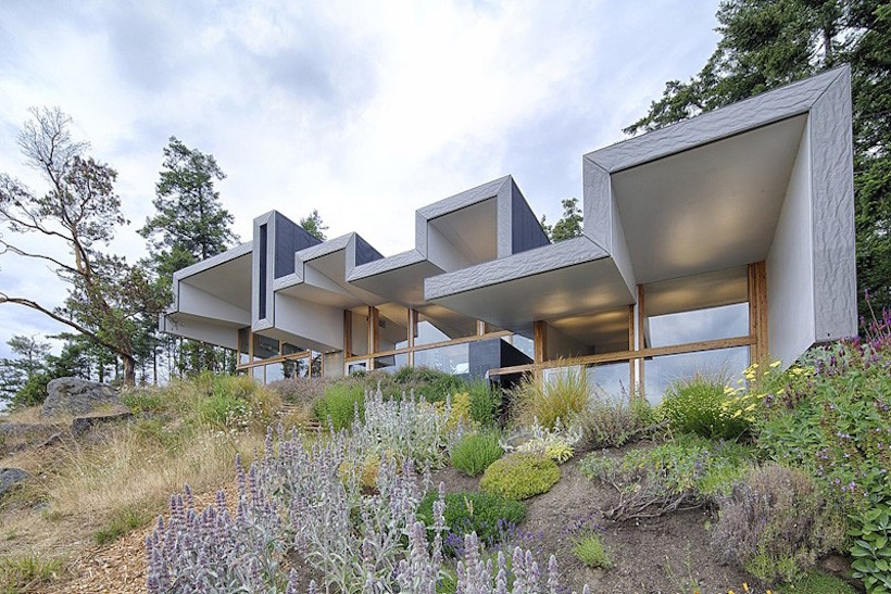 Ridge House by Marko Simcic and Brian Broster 1