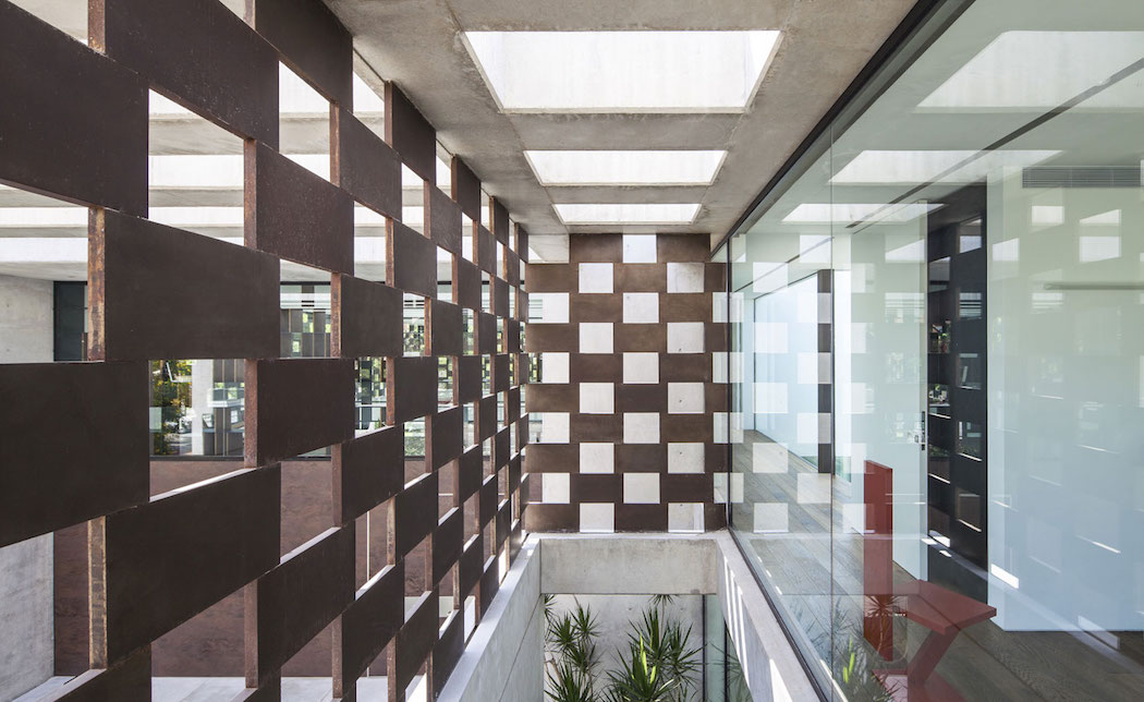 Corten-House-Pitsou-Kedem-Architects  8