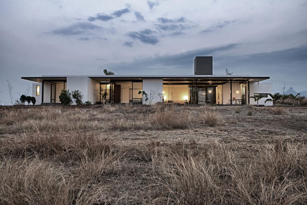 Deolali House : SPASM Design Architects 1