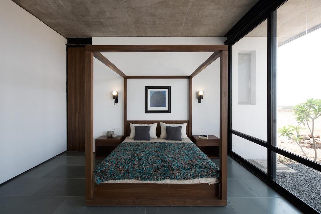 Deolali House : SPASM Design Architects 6