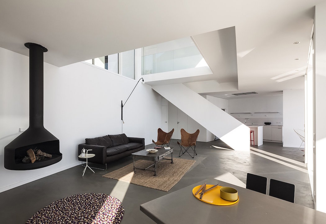 SUNFLOWER HOUSE BY CADAVAL & SOLÀ-MORALES 11