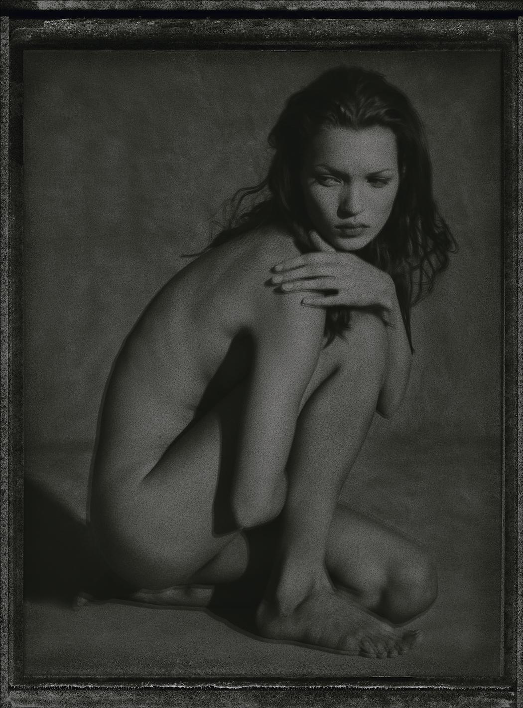 WATSON_Kate-Moss_Marrakech_1993_polaroid