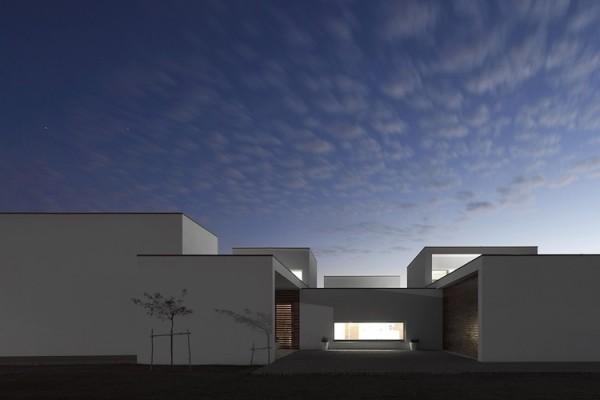 Aradas House by RVdM Arquitecto (1)