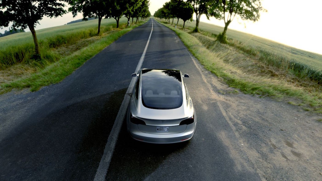 Tesla Model 3 -5