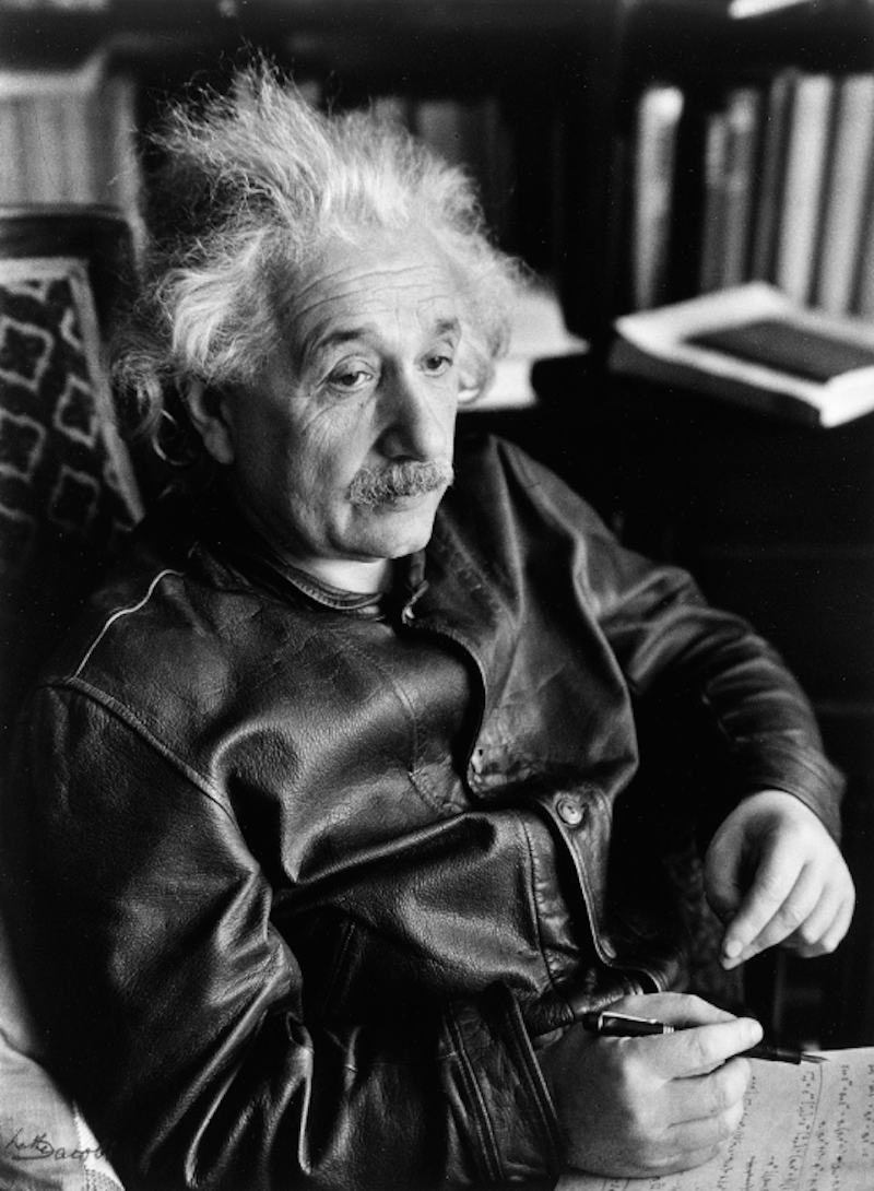 Lotte-Jacobi-Albert-Einstein-in-the-leather-jacket-1938-University-of-New-Hampshire