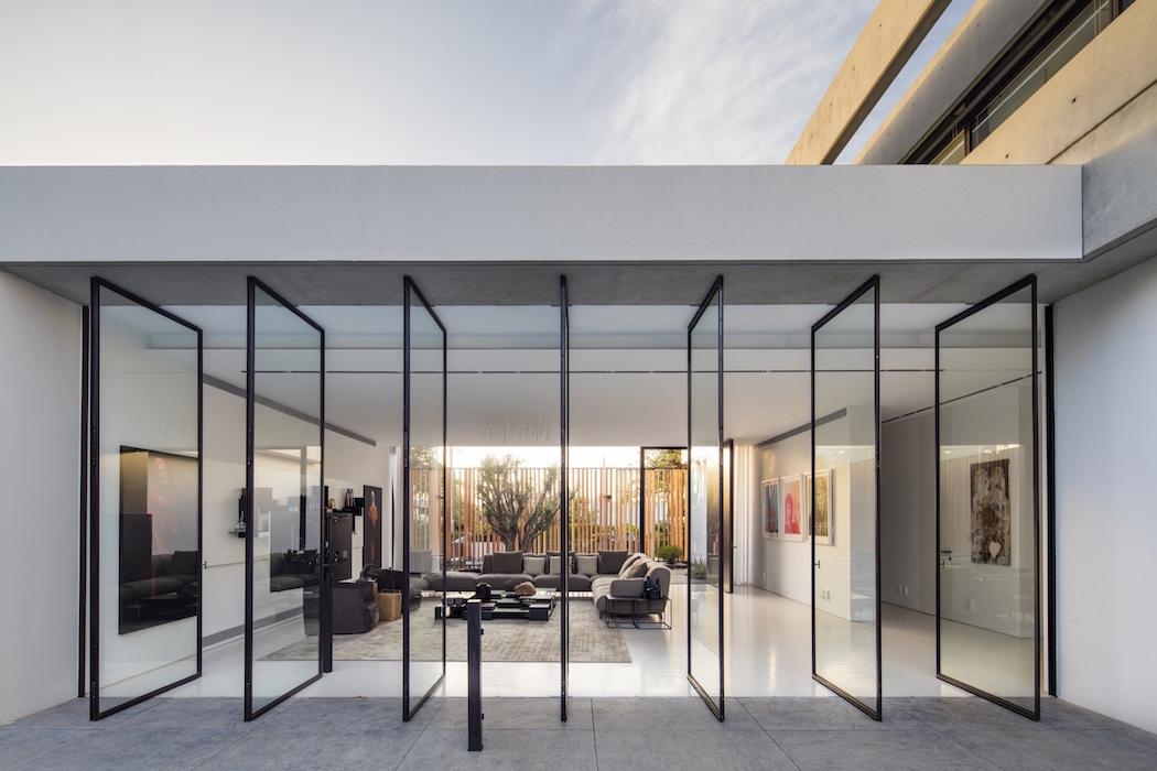 The S House : Pitsou Kedem Architects 1