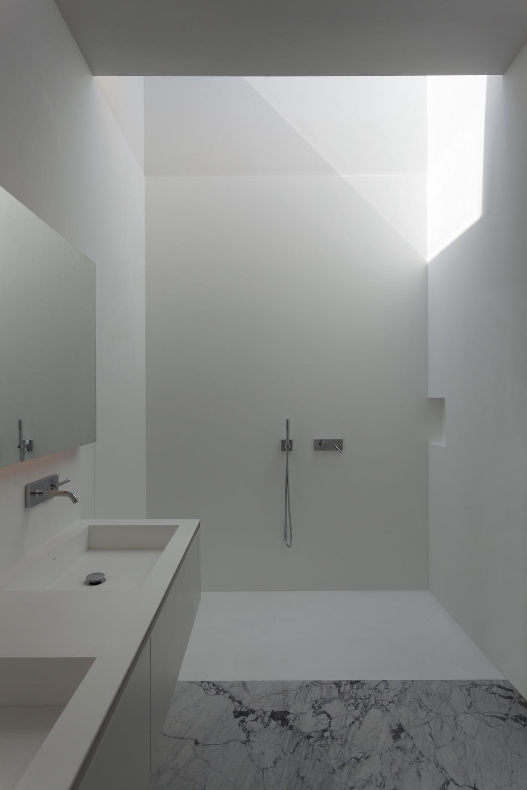 Aluminum House : Fran Silvestre Arquitectos 7
