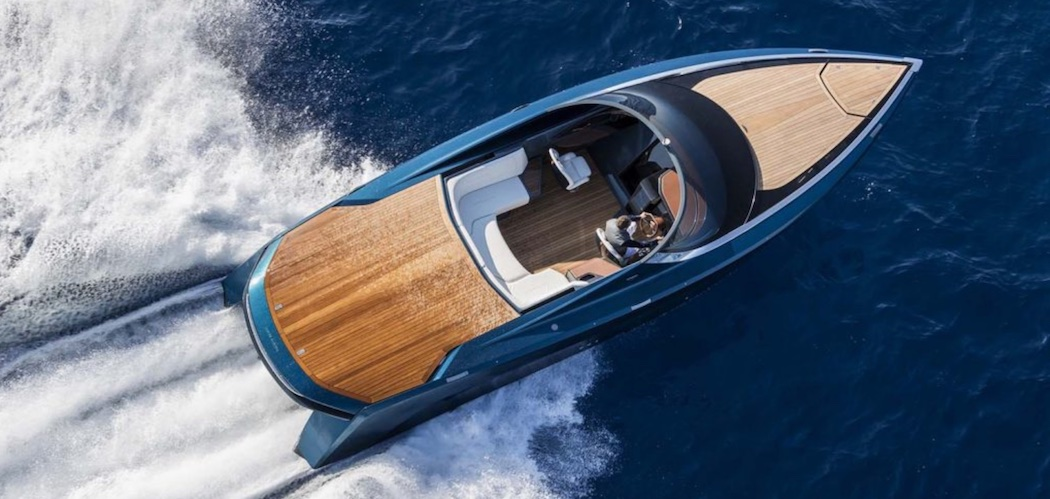 aston-martin-powerboat-1