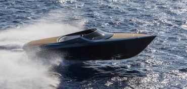 aston-martin-powerboat