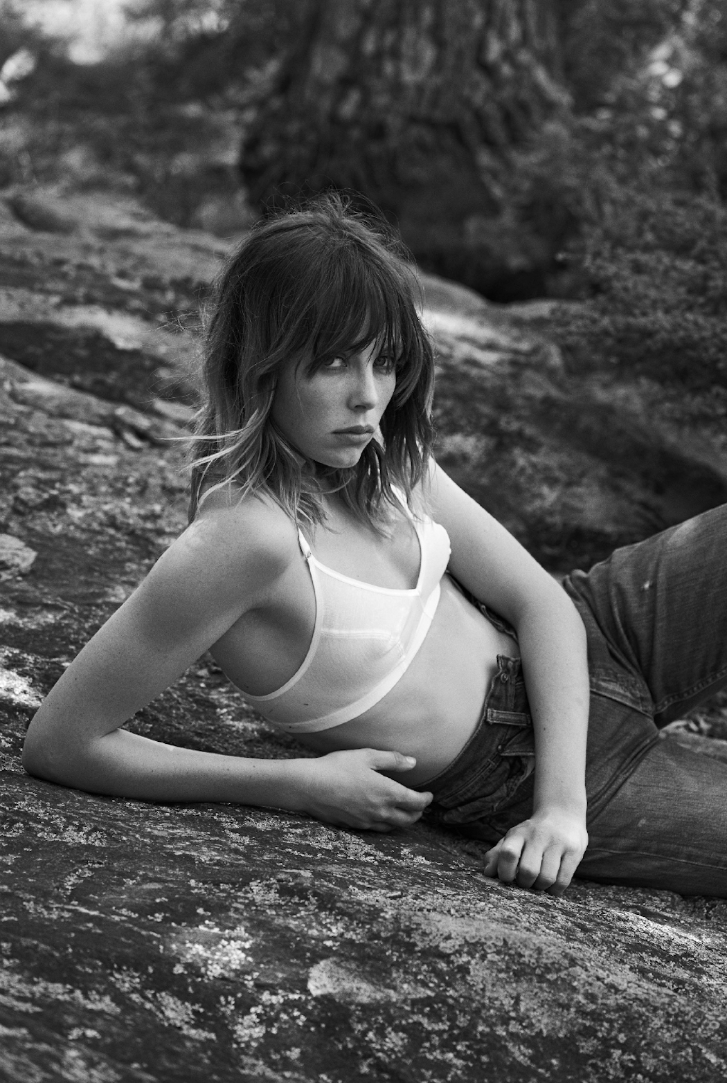 edie-campbell-by-lachlan-bailey-for-industrie-magazine-fall-16-4