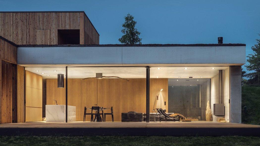 house-jrv2-studio-de-materia-architecture_dezeen_hero-1
