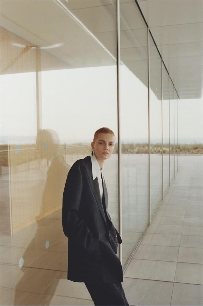 Lina Hoss by Joachim Mueller Ruchholtz 3