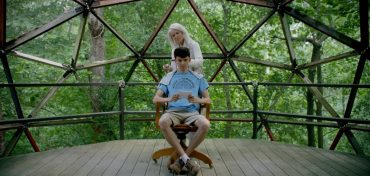 Ellen-Burstyn-and-Asa-Butterfield-The-House-of-Tomorrow (1)